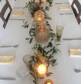 Emma Cole - Christmas table decoration